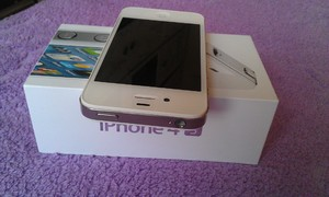 Apple IPhone 4S 16Gb White (neverlock) как новый